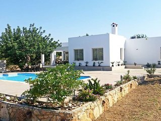 Eliofos Luxury Villa - Private Pool, Wifi, BBQ, Smart TV