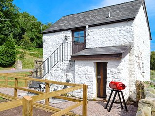 1 bedroom accommodation in Llanellen, near Abergavenny