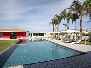Casa Arancia  con ampio parco e piscina.