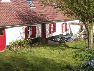 Charming 3 bedroom cottage, in peaceful rural setting, 2 bathrooms, sleeps 6/7.