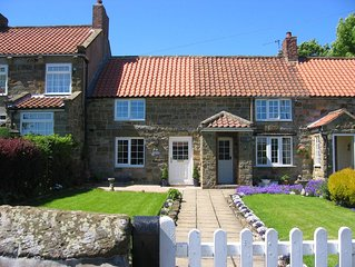 Honeysuckle Cottage - An idyllic spot to discover the North York Moors and Coast