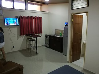 Bonito apartamento a 5 minutos aeropuerto Juan santamaria. Zona segura.