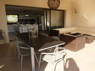 maison contemporaine de 14 personnes située  dans la baie de pinarello