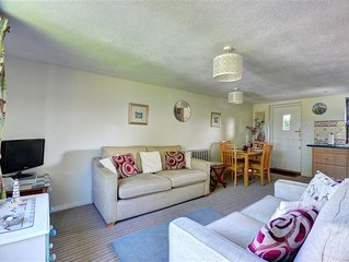 Finches - Two Bedroom House, Sleeps 4