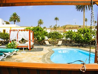 B&BLola y Juan: Habitación con baño privado y piscina climatizada 'HUESPEDES'