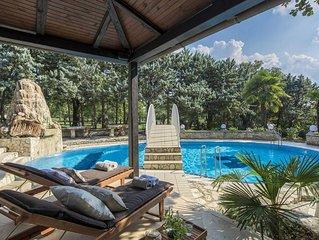 Luxury 5* Villa-PRIVATE TENNIS COURT, Pool, Sauna, beach nearby, Istria