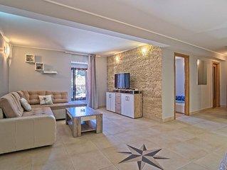 Nikola apartment in Veli Lusinj with WiFi & air conditioning.