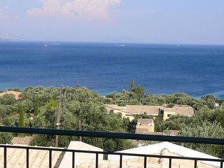 Alemar House - Holiday home with spectacular sea views,150m to the beach