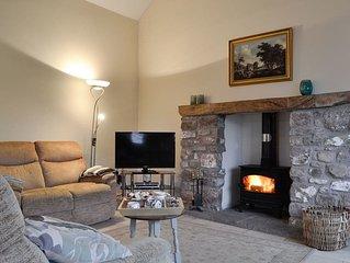 3 bedroom accommodation in Middleton, near Swansea