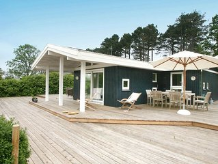 Splendid Holiday Home in Dronningmolle near Child-friendly Beach