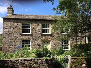 Fell View, sleeping 6, is set in the rolling Yorkshire Dales, great for walking