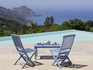 A perfect place to relax, enjoy the countryside with seaviews