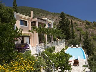 Last minute offer: 30% off for Sept - Luxury villa overlooking the sea