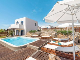Coastal villa w/ terrace and pool, located within easy reach of town and ameniti