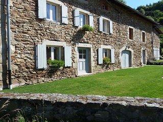 Location d'un grand gîte, Auvergne, dans un havre de paix...
