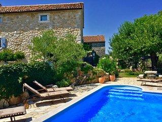 """Splendida villa""""DEA RUSTICA""""Croazia ,Krk,Malinska,Wifi gratuito,piscina privata"""