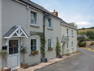 Delightful cottage set in the pretty village of Clearwell, Forest of Dean.