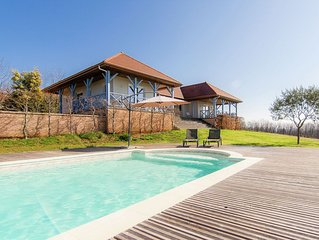 Original villa with verandas, garden, pool and beautiful views.