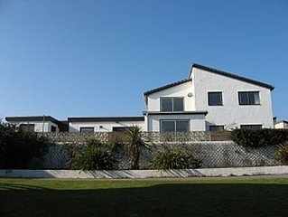 Trearddur BayLarge House Sleeps 14- with Free Wifi, Games Room, close to Beach