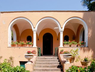 Casa Eliana, Villa Storica con Giardino e Terrazzi a Capri
