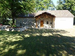 Maison de campagne en pierre apparente entierement renovee et equipee