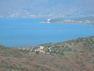 Panicale - Apartment in old farmhouse, quiet countryside, pool, lake views.