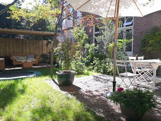 Romantic, cozy French styled home (10 min from beach, 45 min from A'dam