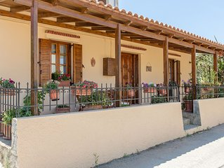 Elisavet's House- Cozy house at the center of Platanias