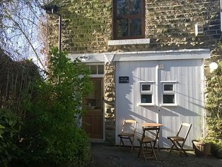 The Old Coach House. Quiet. Private. Historic. 5*. Breakfast included.