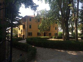 Villa Gioia immersa nella quiete della campagna bolognese