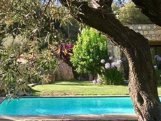Maison d'architecte de 250 m2 dans la colline provençale à deux pas de la mer