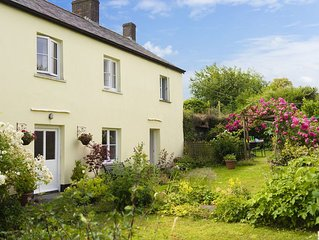 Character farmhouse close to both Exmoor and the North Devon coast sleeping up t