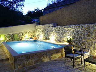 Ideal getaway vacation near Dubrovnik, private pool,family & group vacation