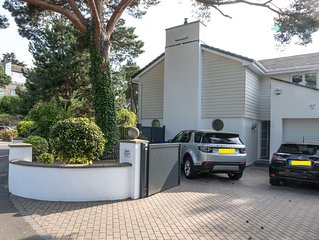 Stunning, recently re-modelled Sandbanks Holiday Home