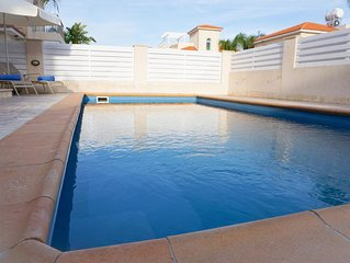 Villa Katia - Modern Villa with all En suite bedrooms, BBQ, WIFI and UK Channels