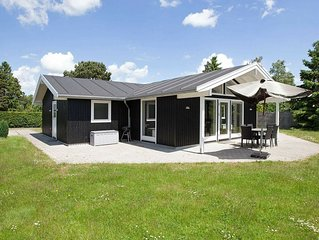 Cozy Holiday Home in Væggerløse with Private Whirlpool