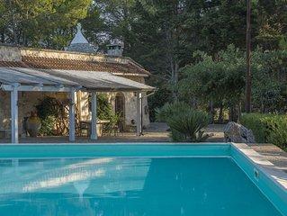 Trulli inn Villa: piscina privata, giardino, BBQ. wifi. 5 camere