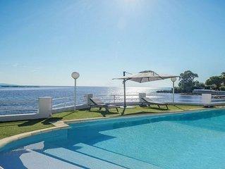 Sublime villa pieds dans l'eau a proximite des iles Sanguinaires et Capo di fenu