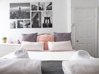 Sea Pinks - Dartmouth town centre apartment