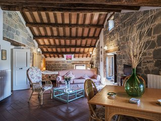 Studio apartments in country house 'la Fattoria' with shared swimming pool