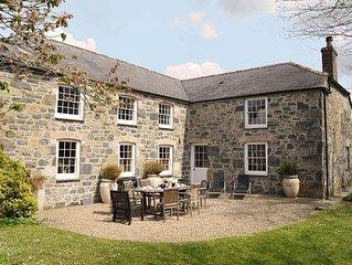 Luxury 5-star farmhouse near the Cornish coast on the Bonython Estate, Lizard Pe