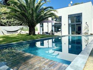Villa pres de la plage - Piscine chauffee - vivez a pied