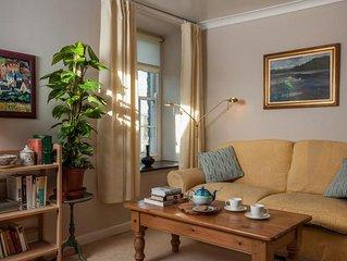 Authors' Retreat - One Bedroom House, Sleeps 2