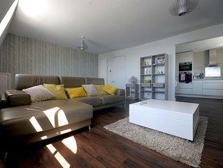 No 7 Captain Scott Apartment 1, Elliot Terrace - two bedroom large apartment un