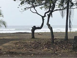 Beach Front Playa Bandera House.   Casa justo frente a la playa. Venga y disfrut