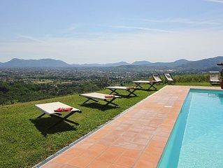 Villa a Segromigno In Monte con 6 camere da letto e 12 posti letto
