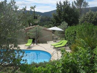 Maison avec piscine extérieure dans un magnifique cadre