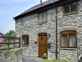 2 bedroom accommodation in Llangollen, near Wrexham