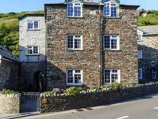 Hollowell House, BOSCASTLE