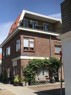 'Bed and Bike Boven'     Groot appartement met terras met uitzicht over Haarlem